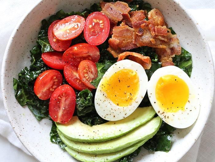 Breakfast BLT salad
