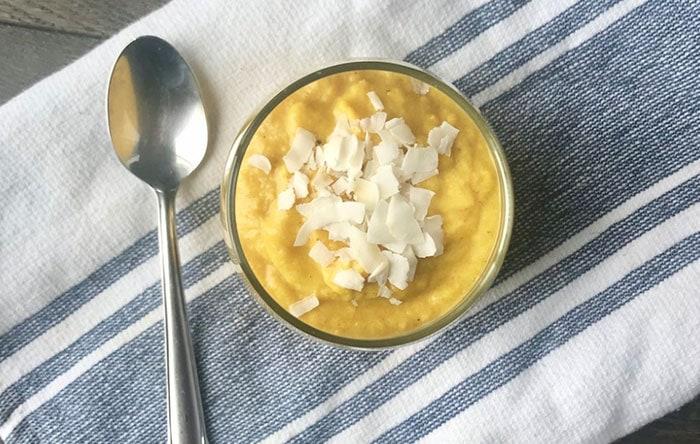 Turmeric smoothie bowl